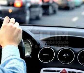 Admissão de motorista por meio de cooperativa é considerada fraudulenta
